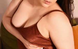 Yda independent escort in McHenry