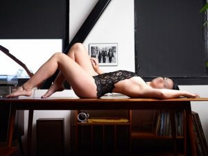 Intisar outcall escorts in Westview Florida